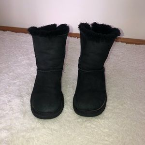 Ugg boots, black bow shoes